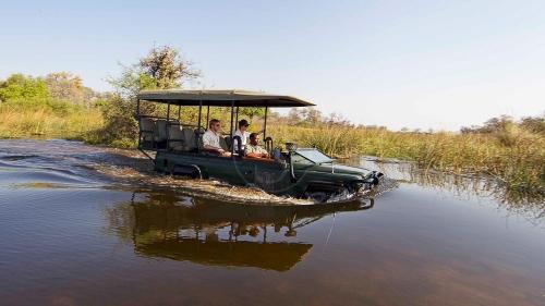 Camp Xakanaxa, Botswana © Desert & Delta
