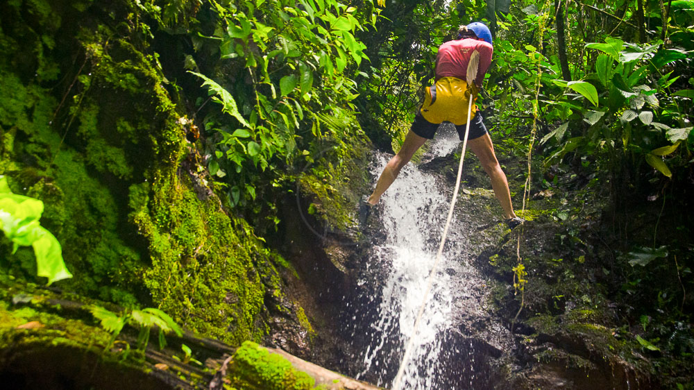 Canyoning experience à Pacuare, Costa Rica © Pacuare