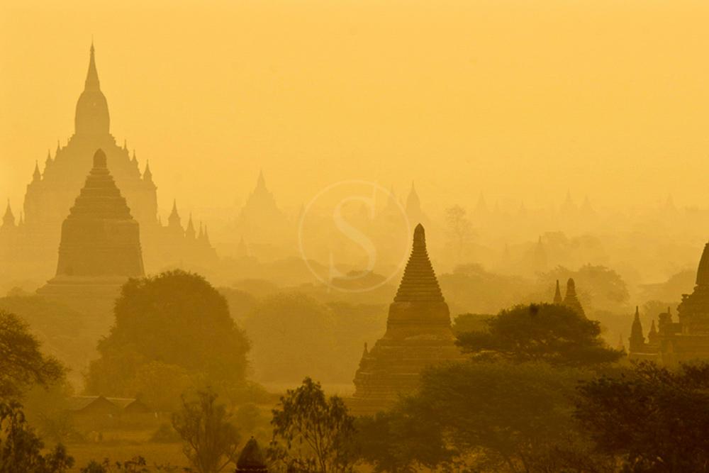 Vue de Bagan avec plus de 200 temples
