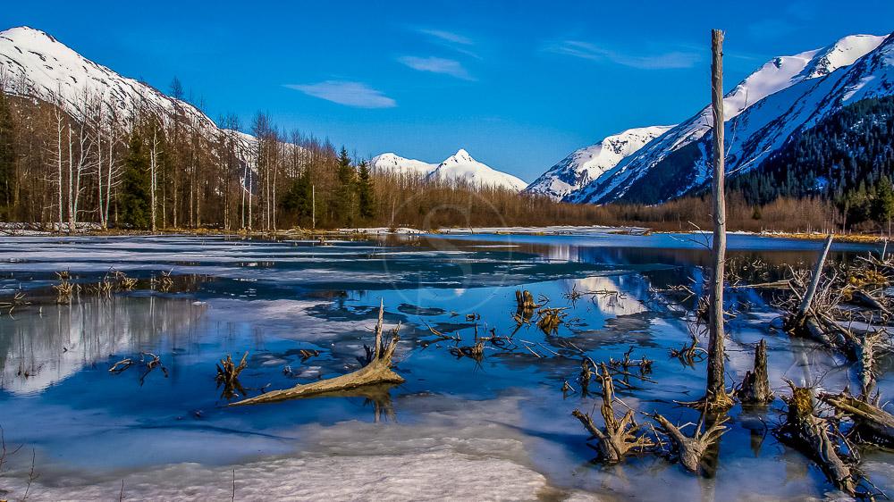 Lac gelé vers Seward, Alaska © Shutterstock