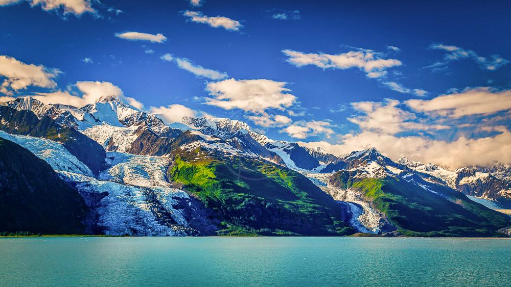 Glacier Bay National Park, Alaska © Shutterstock