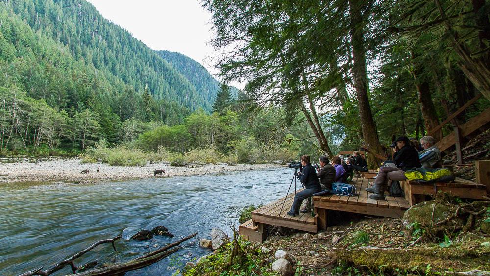 Great Bear Lodge, Canada © Tom Rivest