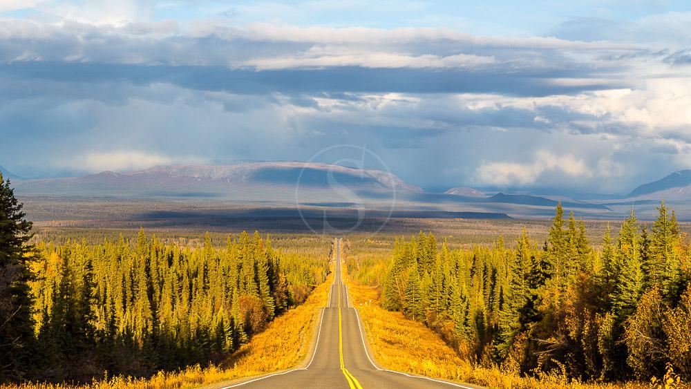 Route Edgerton pour Chitina, région de Wrangell, Alaska © Shutterstock