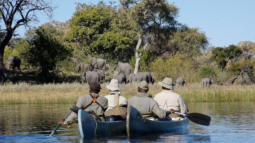 Selinda Canoë Trail, Botswana © Garth Thompson
