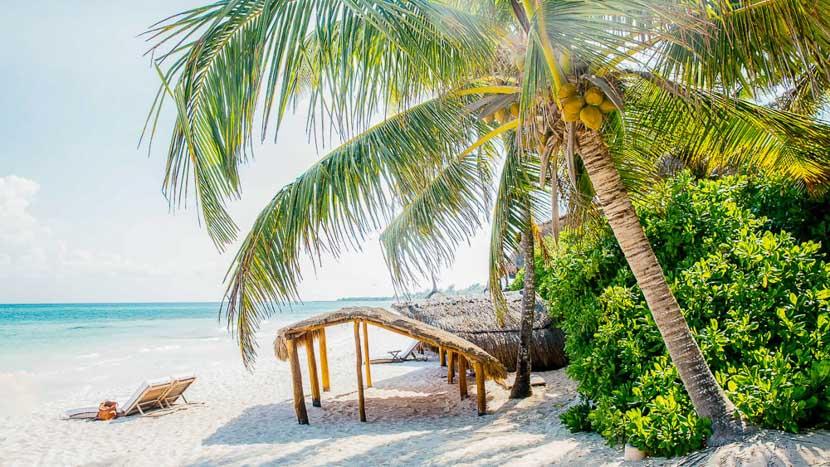 La plage de l'hôtel Esencia, Mexique © Esencia