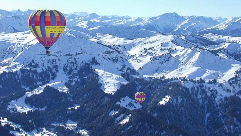 Survol en ballon à Megève © Alpes Montgolfière