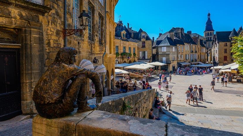 Sarlat-la-Canéda, France © Shutterstock